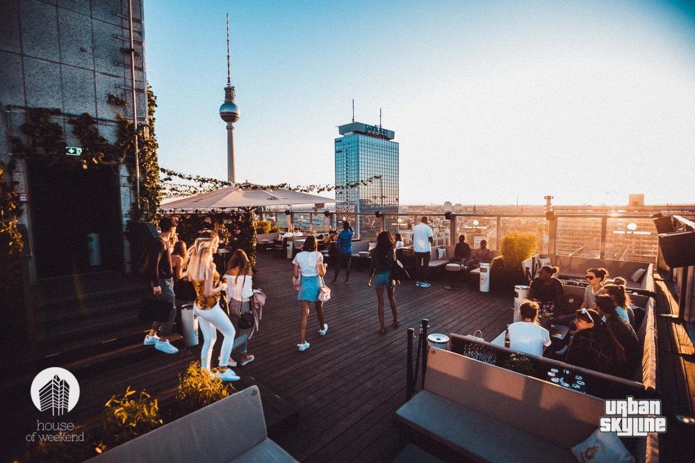 house-of-weekend-rooftop