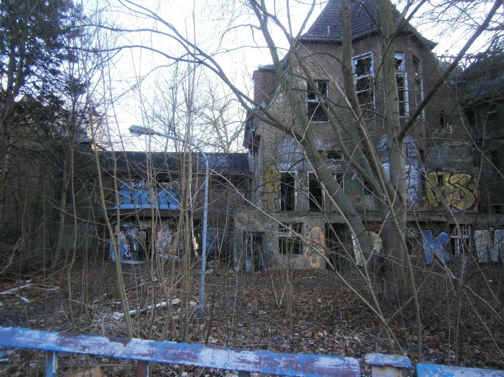 byvala-destka-nemocnice-opustena-mista-berlin