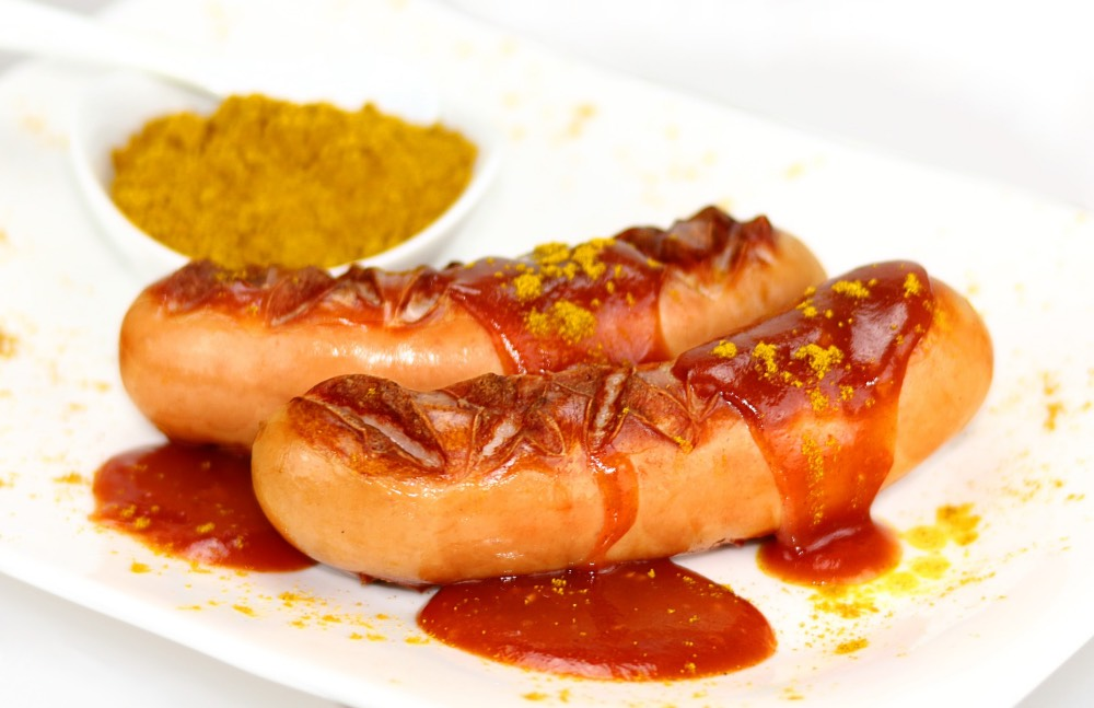 currywurst-berlin-klobasa-se-zlatem