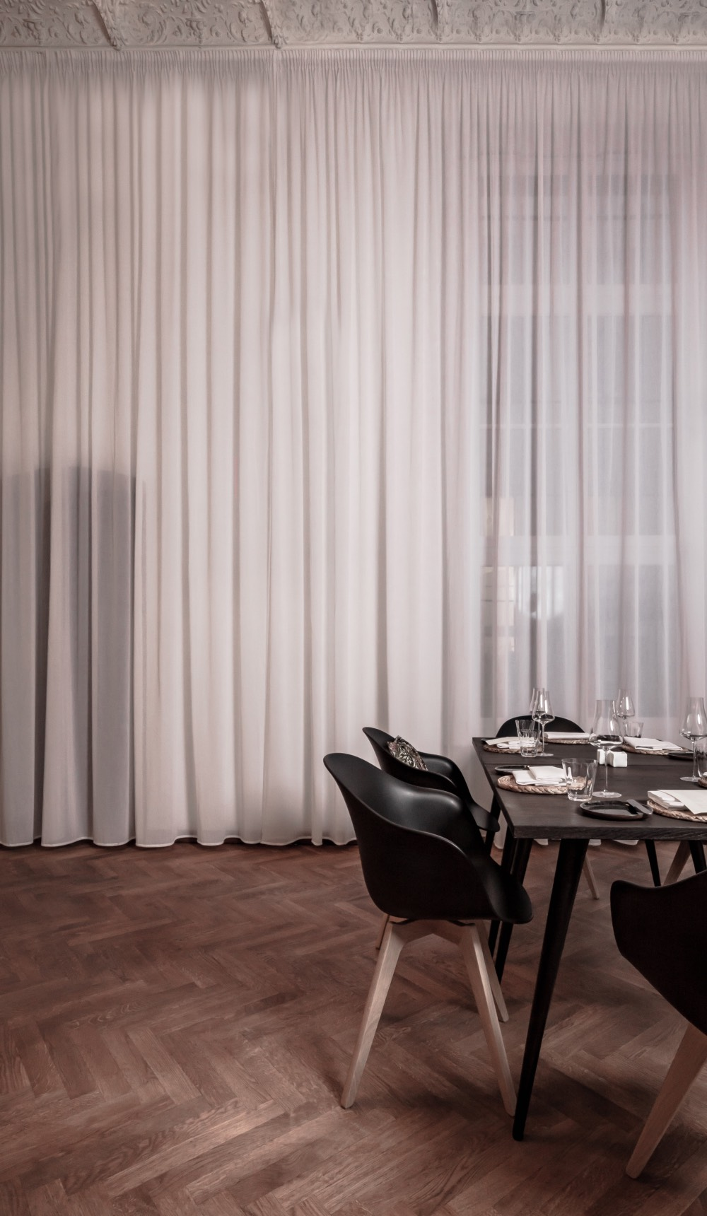 no-name-berlin-restaurace-fine-dinning-interier-2