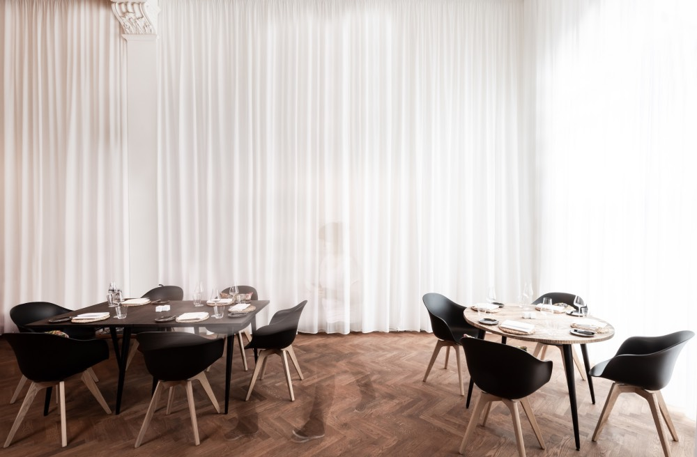 theNOname_Fotos von White Kno-name-berlin-restaurace-fine-dinning-interieritchen_Interior 2_Fotor
