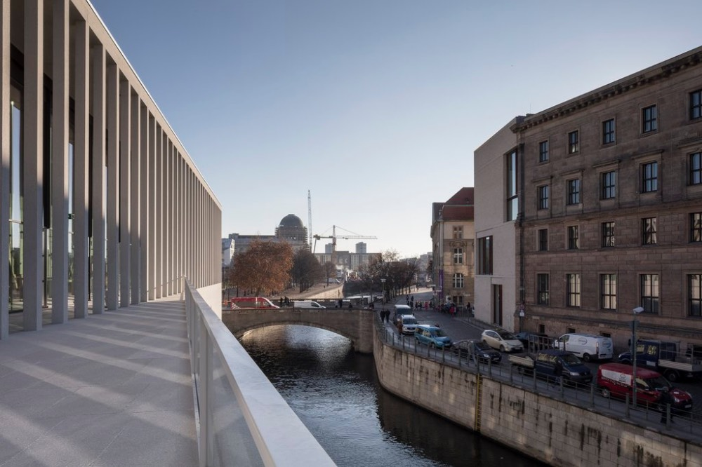 james-simon-galerie-berlin-architektura