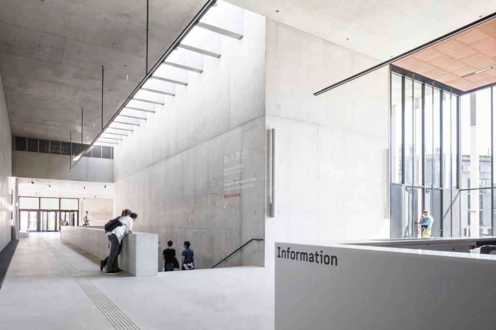 james-simon-galerie-berlin-industrial