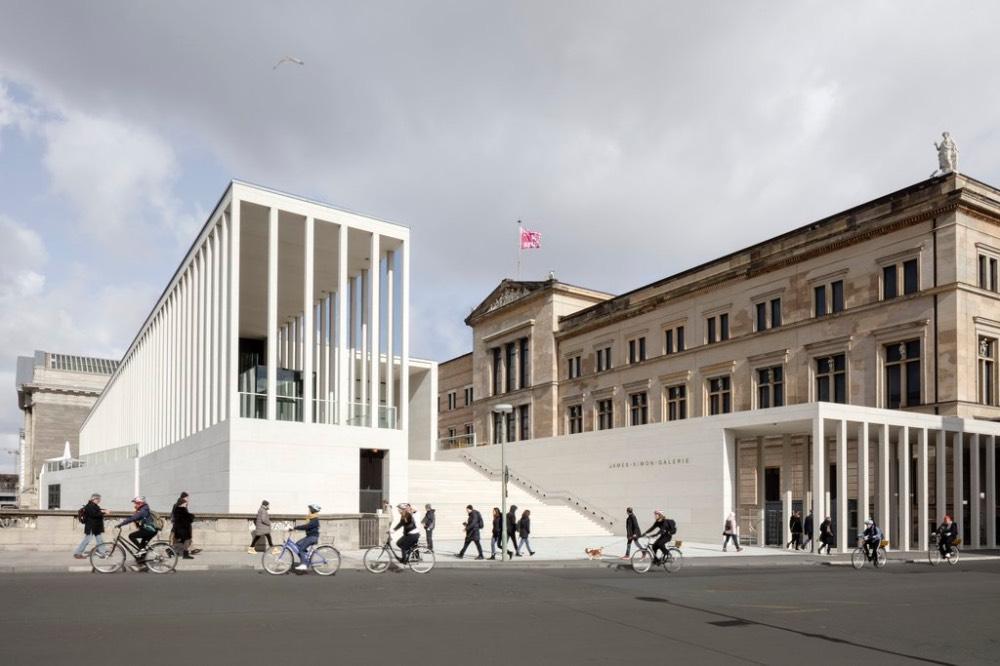 james-simon-galerie-berlin-minimal