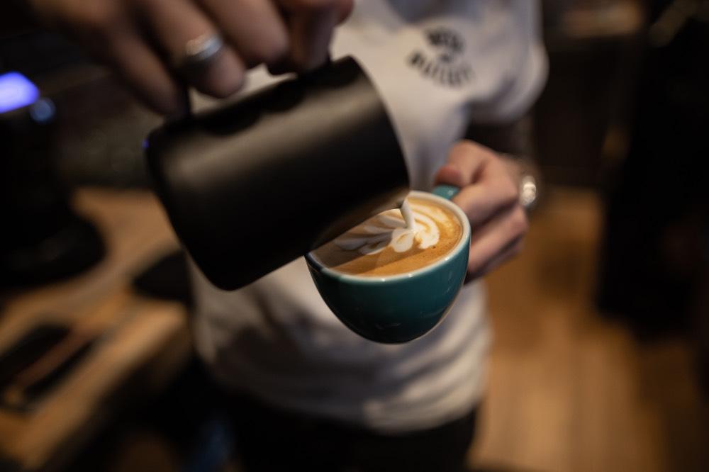 bullet-proof-bar-praha-kafe