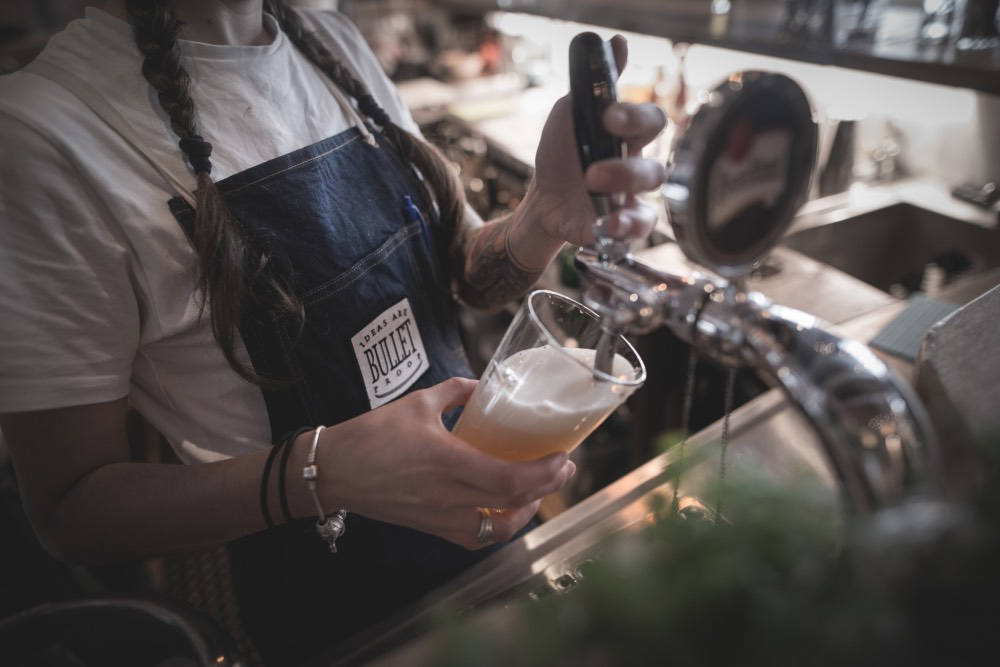 bullet-proof-bar-praha-pivo