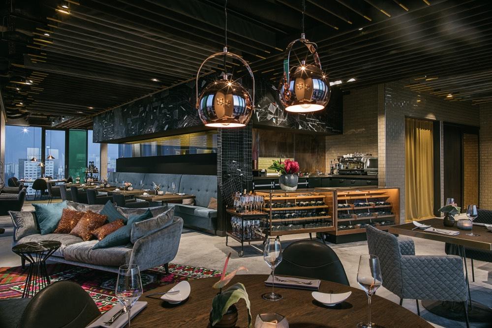 sky-kitchen-berlin-restaurace-4