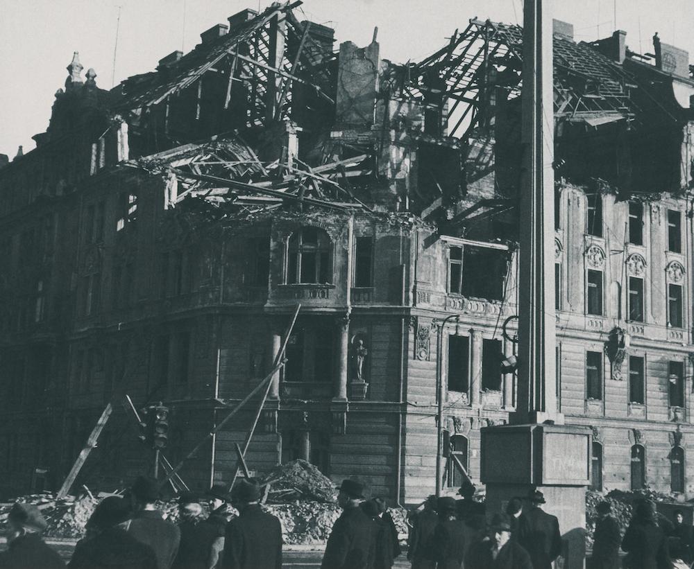 Historická fotografie Jiráskovo náměstí