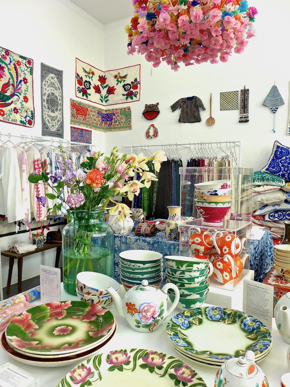 Obchod s tradičním zbožím